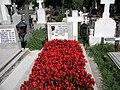 Bucuresti, Romania. Cimitirul Bellu Catolic. Mormantul compozitorului Dan Iagnov. 23 Sept. 2017. (detaliu).jpg