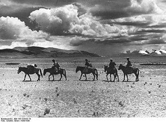 Dvārakā–Kamboja route - A horse caravan.