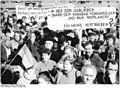 Bundesarchiv Bild 183-1990-0303-016, Berlin, Demonstration von Mietern.jpg
