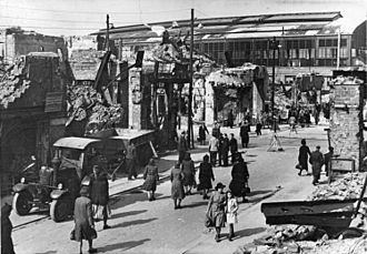 Berlin Friedrichstraße station - Destruction around the station after World War II