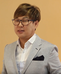 Byun Jin-sub May 2017.png