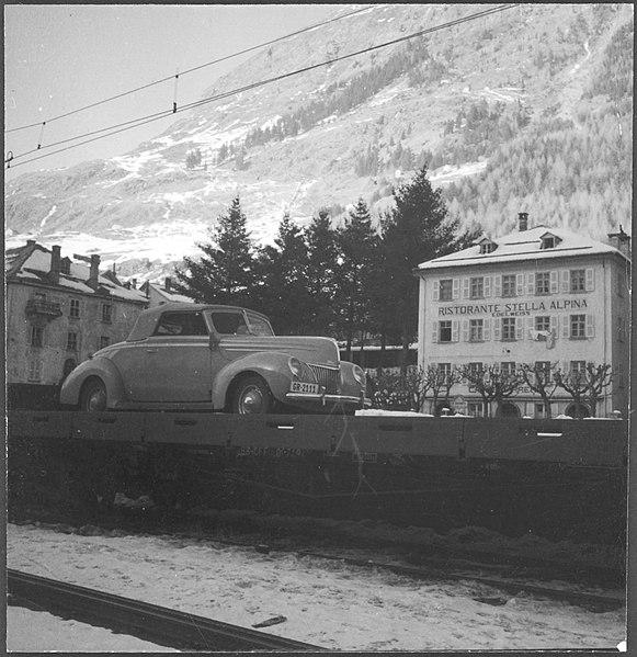 File:CH-NB - Schweiz, Airolo- Ford - Annemarie Schwarzenbach - SLA-Schwarzenbach-A-5-23-176.jpg