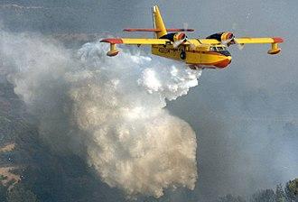 Canadair CL-215 - Image: CL215 43 Grupo