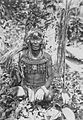 COLLECTIE TROPENMUSEUM Portret van een Mentawei medicijnman op Siberoet TMnr 60043044.jpg