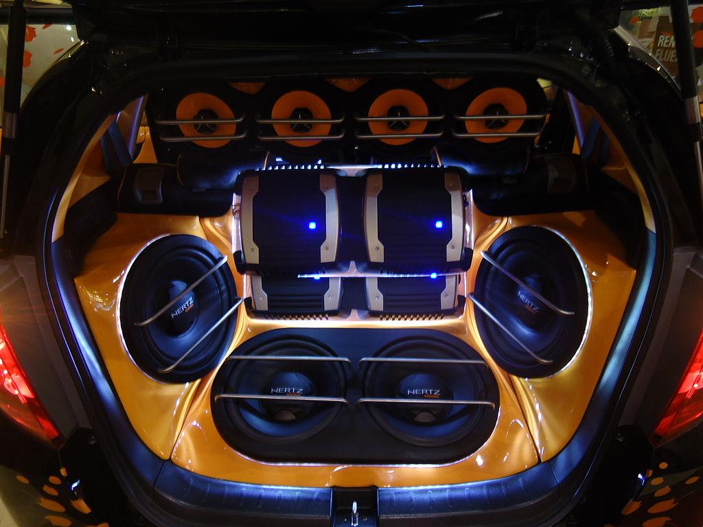 File Car Audio System Fitted In Honda Jazz Jpg Wikimedia