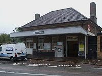 Carshalton Beeches stn building.JPG