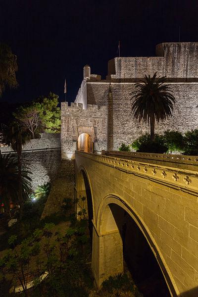 File:Casco viejo de Dubrovnik, Croacia, 2014-04-13, DD 02.JPG