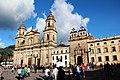 Catedral primada de Bogotá y plaza de Bolívar.JPG