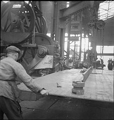 Cecil Beaton Photographs- Tyneside Shipyards, 1943 DB94.jpg