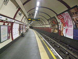 Chalk Farm tube station - Image: Chalk Farm stn northbound look south