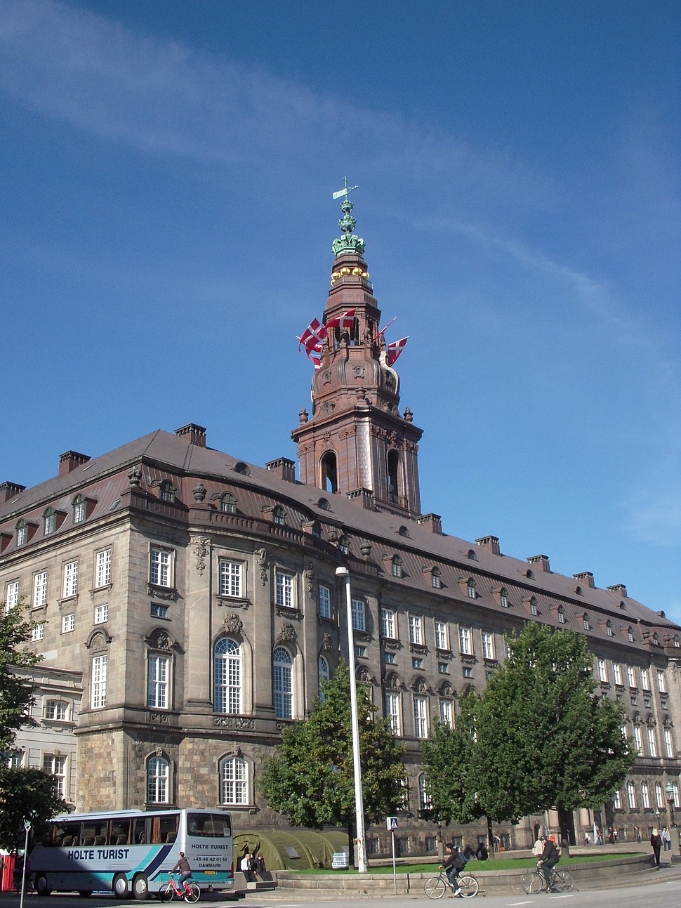 Christiansborg flags 02