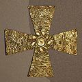 Cividale, necropoli di san mauro, tomba 41, di giovanissimo cavaliere d'alto rango, croce in lamina d'oro, 590-610 ca.jpg