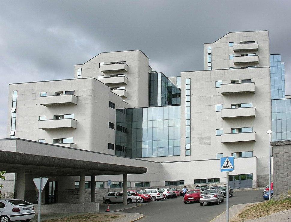 Hospital Clínico de Santiago, onde finou en 1999.