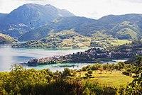 Colle di Tora Lago del Turano.jpg