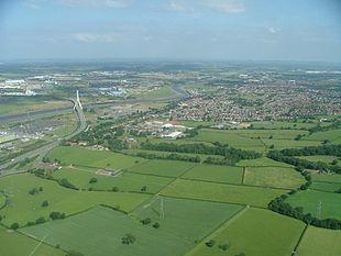 "Lower half of Connah's Quay from the air, with <a href=""http://search.lycos.com/web/?_z=0&q=%22Flintshire%20Bridge%22"">Flintshire Bridge</a> visible"