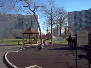 Koreatown, Fort Lee - Image: Constitution Park Fort Lee New Jersey