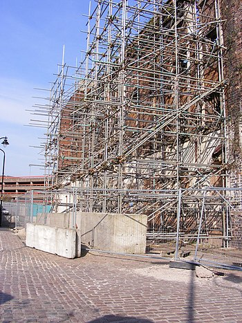 English: Corn Hill Scaffold Scaffolding suppor...