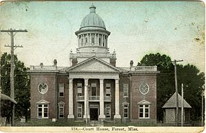 1900 Scott County Courthouse (replaced 1924 and again in 1955)
