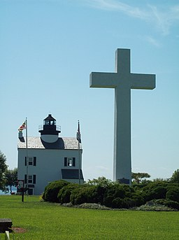 Cross and Blackistone Lighthouse Sept 09.JPG
