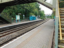 Danescourt railway station, August 2015.JPG
