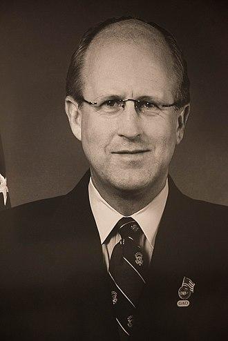 David M. Walker (U.S. Comptroller General) - Image: David M. Walker (20383297790)