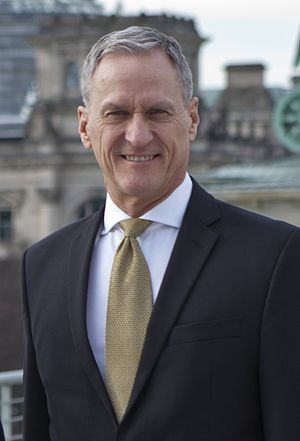 Governor of South Dakota - Image: Dennis Daugaard Berlin 2017 03 22