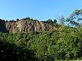 Die 60 m hohe Felswand bei Hochstetten-Dhaun-Ortsteil St. Johannisberg - panoramio.jpg