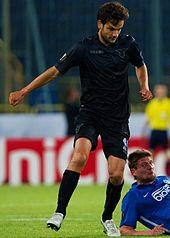 Parolo, nel 2015, con la maglia della Lazio durante un match di Europa League