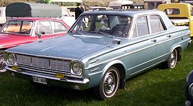 Dodge Dart 4-Door Sedan 1966.jpg