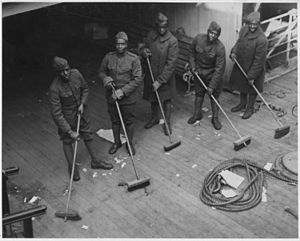 Doing K. P. (Kitchen Police) on board the Celtic. Soldiers doing Kitchen Police on board the . . . - NARA - 533556.jpg