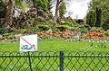 Doing sit ups is not allowed in Parc Monceau, Paris April 2013.jpg