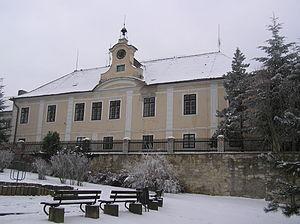 Domoušice - Image: Domoušice zámek 1