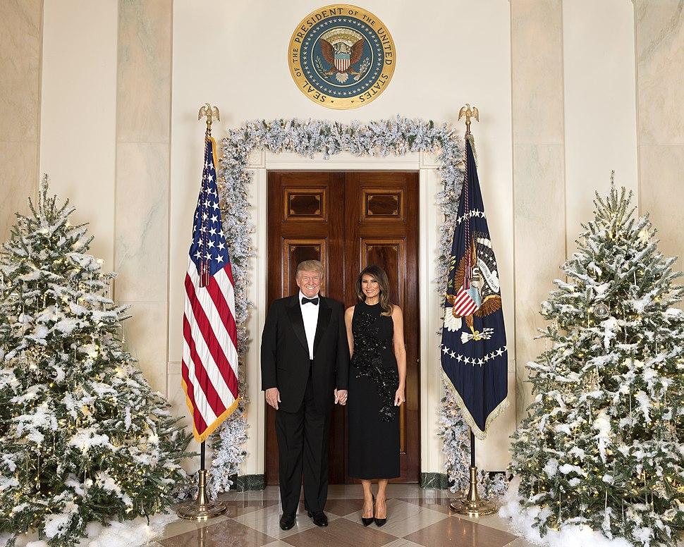Donald and Melania Trump%27s Christmas portrait