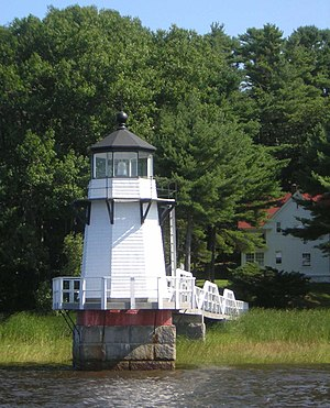 Doubling Point Light - The keeper's house is under the trees