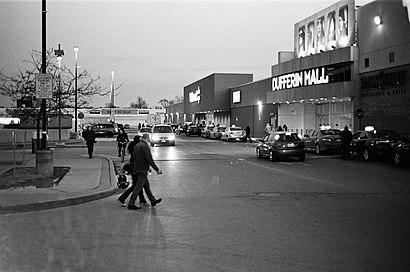 Como chegar até Dufferin Mall com o transporte público - Sobre o local