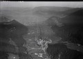 ETH-BIB-Buttes, Fleurier, Val de Travers v. S. W. aus 1200 m-Inlandflüge-LBS MH01-006648.tif