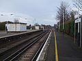 Earlsfield station slow platforms look north3.JPG