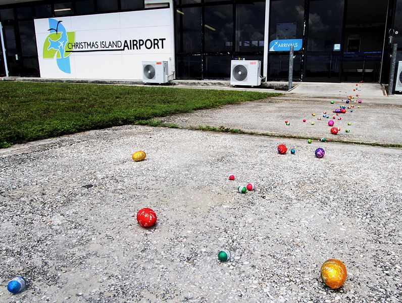 Файл:Easter Bunny stops by Christmas Island Airport.jpg