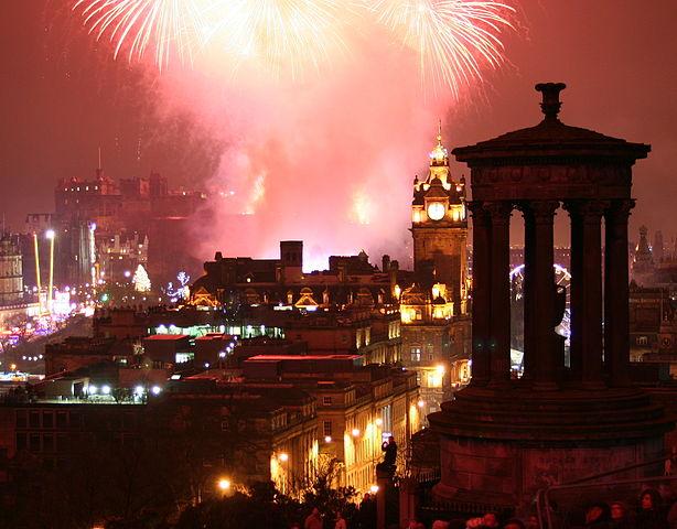 Fireworks on New Year's Eve by http://www.flickr.com/photos/89466603@N00 via http://en.wikipedia.org/wiki/File:EdinburghNYE.jpg