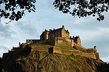 Edinburgh Castle (29325995350).jpg
