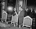 Eerste zitting nieuw kabinet. Minister-president Drees in gesprek met mej. M. Kl, Bestanddeelnr 908-0619.jpg