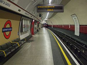 Elephant & Castle tube stn Bakerloo west look south.JPG