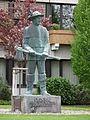 Enderle Skulptur Rathaus Ketsch.JPG
