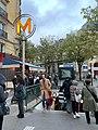 Entrée Station Métro Gambetta Paris 2.jpg