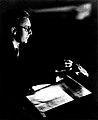 Erich PETER dirigiert.jpg