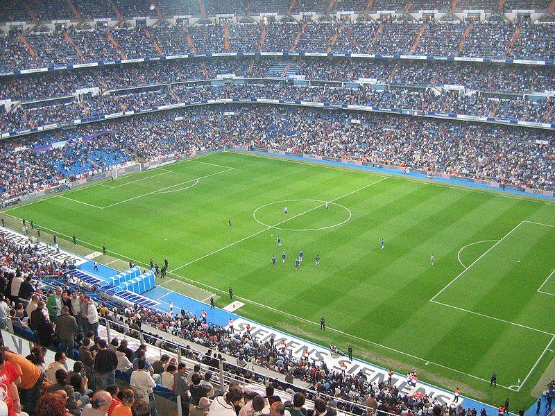 File:Estadio Santiago Bernabéu-RM vs LaCoruna 2006.jpg
