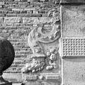 Exterieur GRIFFOEN NAAST INGANG - Heemstede - 20295228 - RCE.jpg