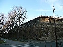 Facade Nord de la prison de la Santé.jpg