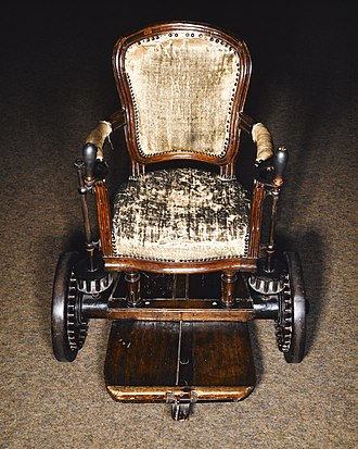Couthon's wheelchair Fauteuil de Georges Couthon.jpg
