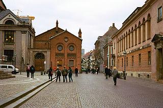 pedestrianized shopping street in central Copenhagen